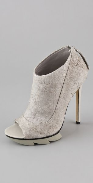Camilla Skovgaard Open Toe Saw Booties - Lyst