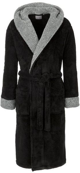 Wayfair has robes made for everyone, including robes for men, women, gender-neutral options, as well as options for kids. There are a few distinctions between men's and women's bathrobes, however, the biggest distinction is the length.