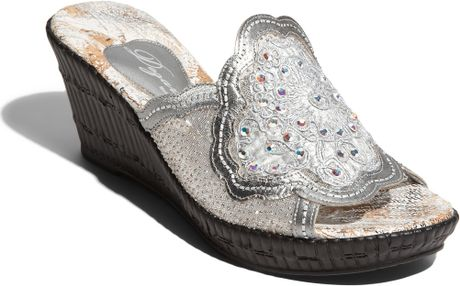 Dezario Blossom Wedge Sandal In Silver Lyst