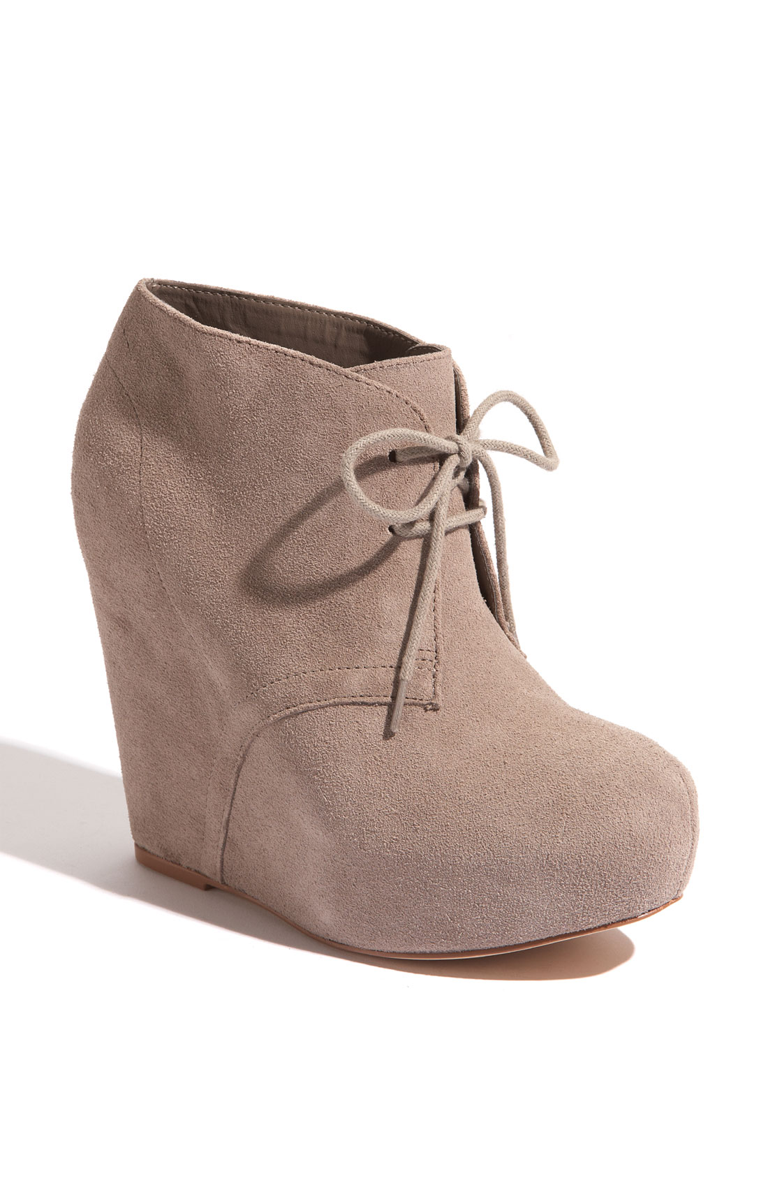 Shop our collection of booties online at Macy's. Browse the latest trends and view our great selection of women's ankle boots, wedge booties, peep toe booties & more.