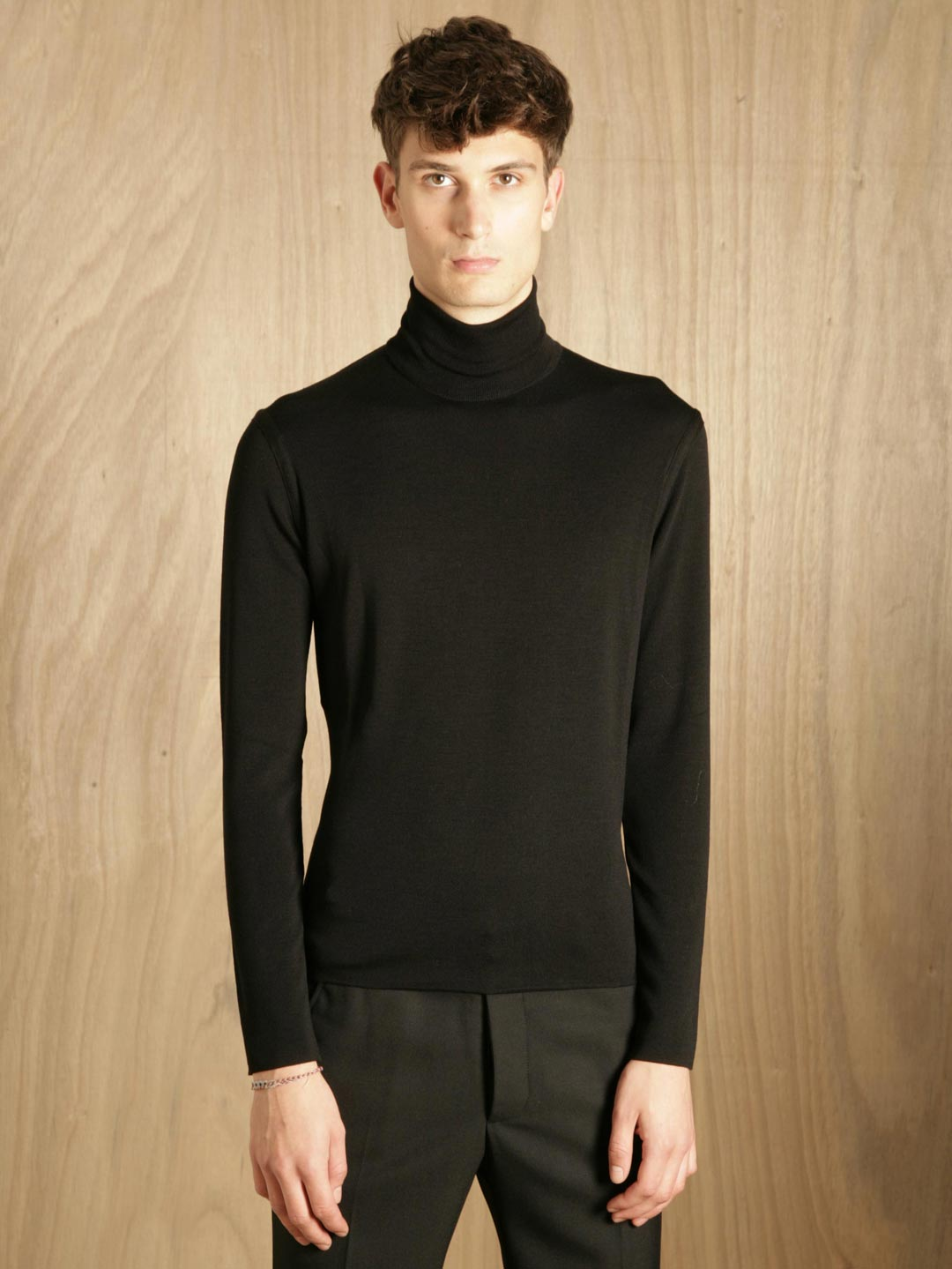 jil sander jil sander mens sweater turtle neck in black. Black Bedroom Furniture Sets. Home Design Ideas