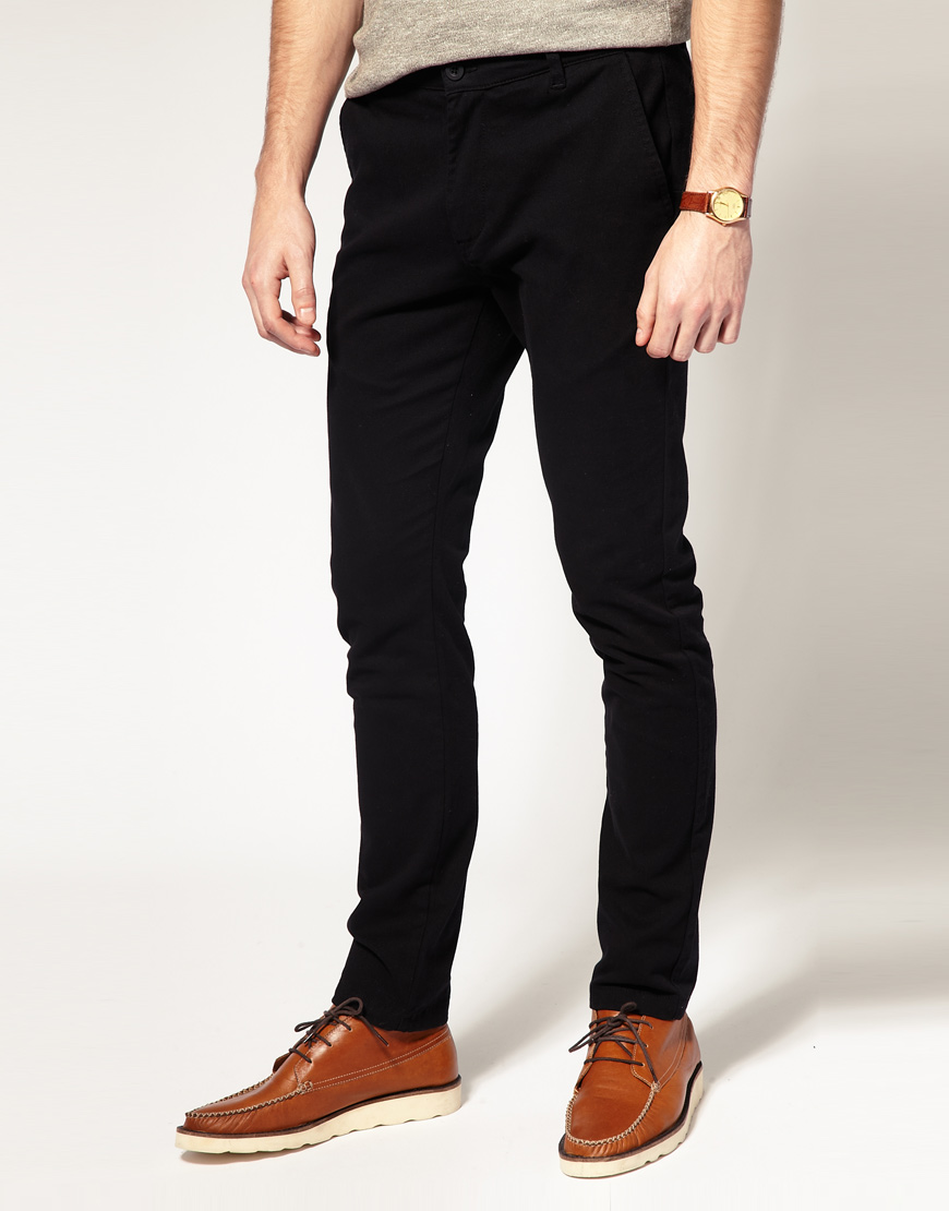 Skinny chino Pants. At Neo Blue Jeans, we're all about denim. However, we understand the need to change it up from time to time. That's why we offer you a selection of sleek, fitted skinny chino pants.