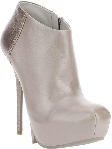 Camilla Skovgaard Saw Moon Ankle Boot in Gray (grey)