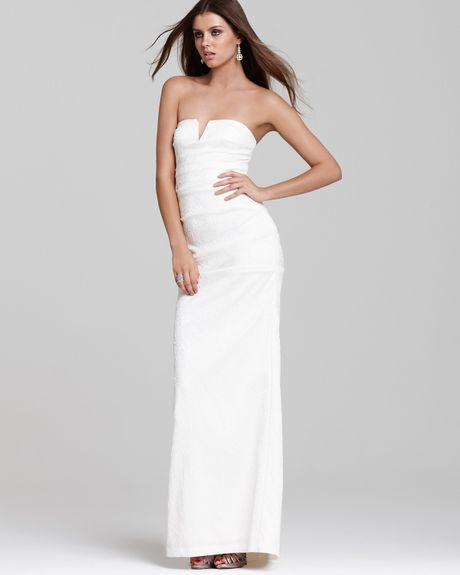 Nicole miller strapless gown in white ivory lyst for Nicole miller strapless wedding dress