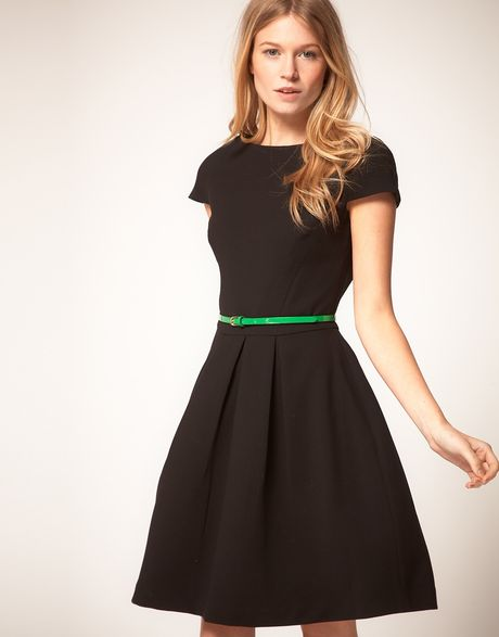 Oasis Fit And Flare Dress in Black