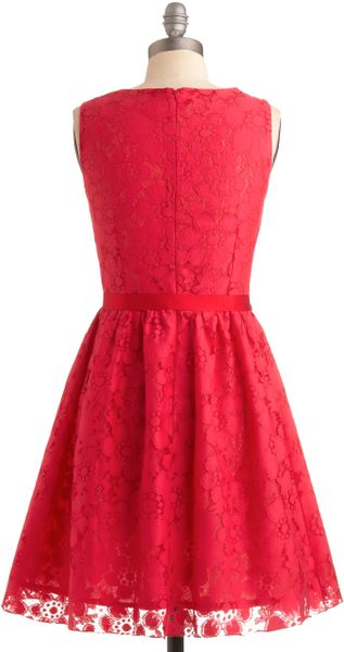 Girls clothing stores. Stores like mod cloth