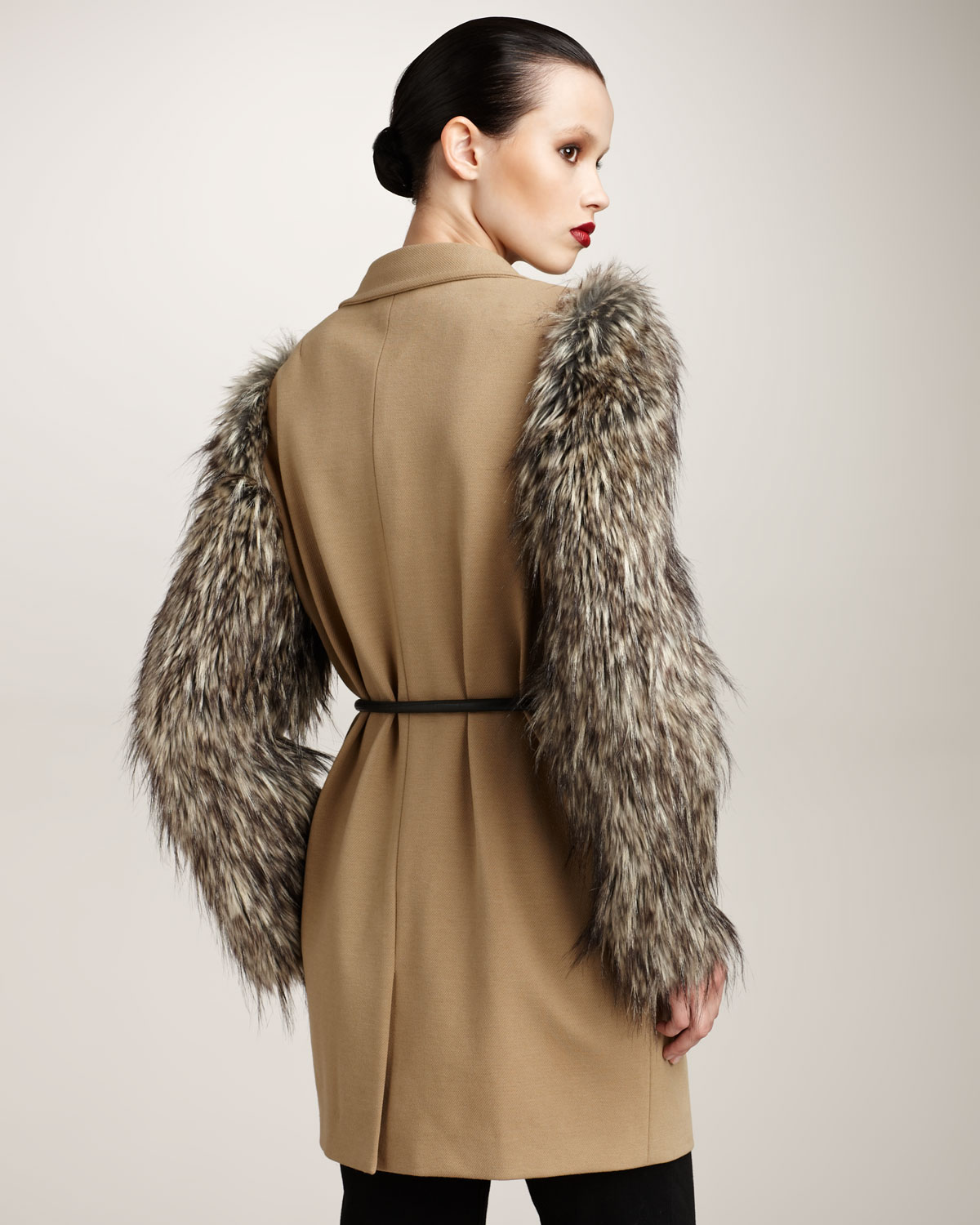 Robert rodriguez Coat with Faux-fur Sleeves in Natural | Lyst