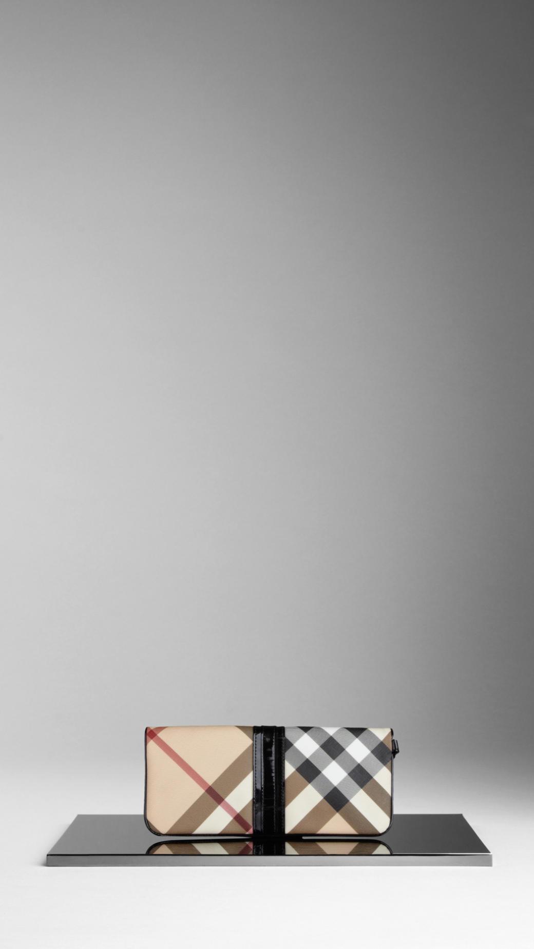 a084acbe10f3 Gallery. Women s Wristlets Women s Burberry Nova ...