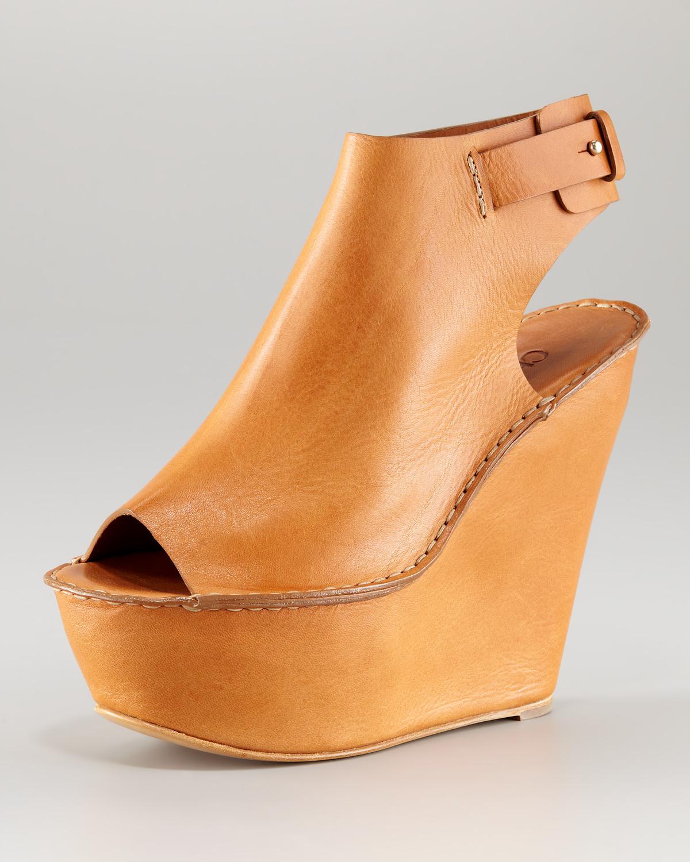 2bdf0a656c7 Lyst - Chloé Open-toe Cuffed Wedge in Brown