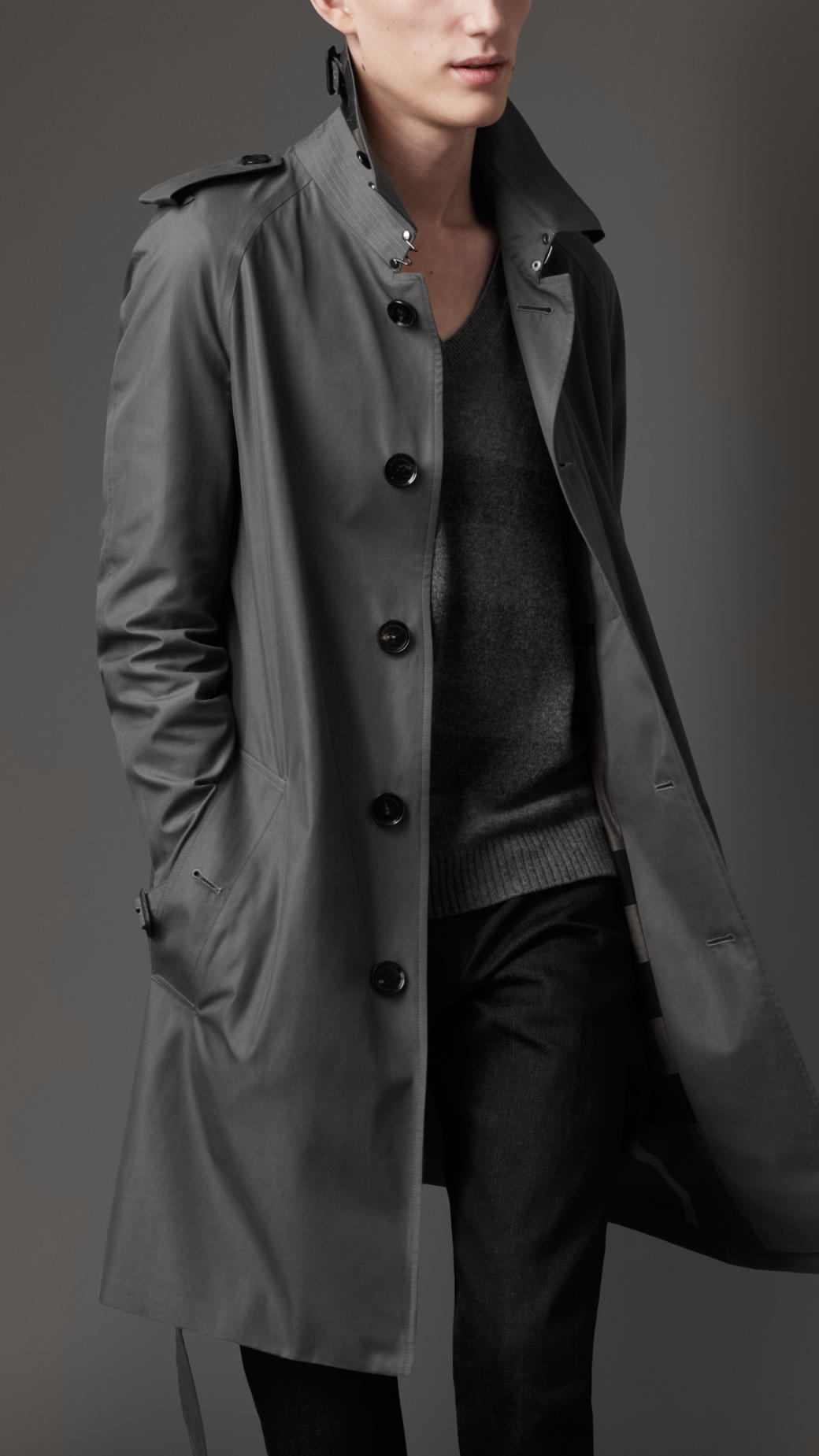 The range includes both single-breasted and double-breasted designs alongside trench coats, parkas, and more. Shop men's coats from Burberry. The range includes both single-breasted and double-breasted designs alongside trench coats, parkas, and more. Grey Brown Beige Blue Green Red Yellow White. Show Results Clear. Size ALL XXS XS S M L.