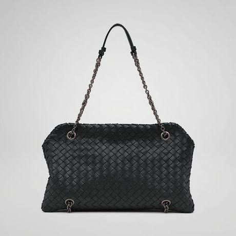 05d9b25b13cf Bottega Veneta Nero Intrecciato Nappa Duo Bag in Black .
