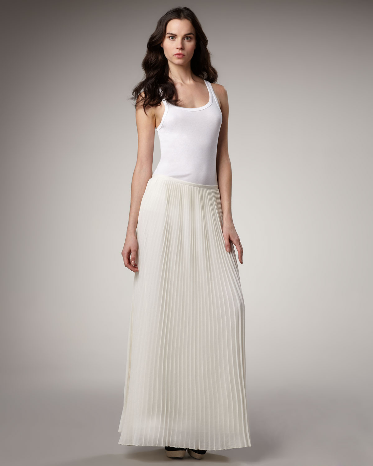 Theory Pleated Maxi Skirt in White | Lyst