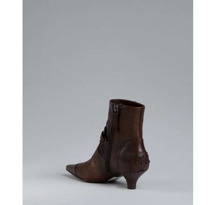 Tod&39s Cocoa Leather Pointed Toe Kitten Heel Ankle Boots in Brown