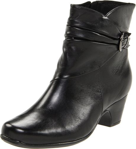 Clarks Clarks Womens Leyden Crest Boot in Black (black leather)