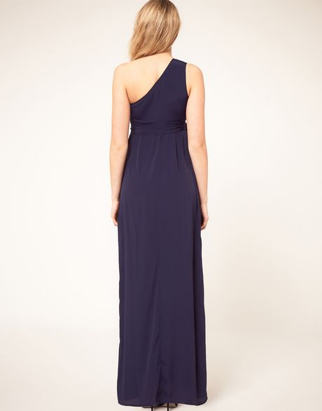 Maternity Dresses The Maternity Dressentials are here. Casual maternity dresses, baby shower dresses, and work to weekend dresses style your bump in a beautiful way, every day.