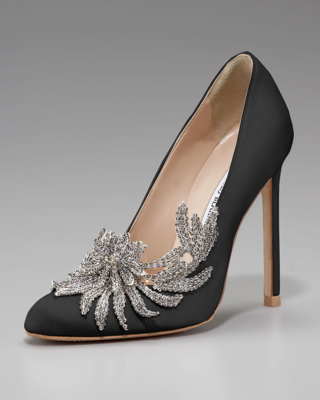 lyst manolo blahnik swan embellished satin pump black in black rh lyst com