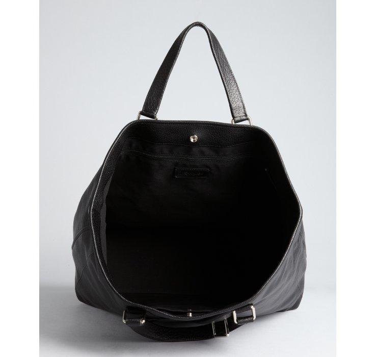 1ef9cde669 Saint Laurent Black Leather Vavin Logo Buckle Large Tote in Black ...