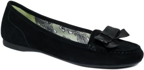 Anne Klein Krantz Iflex Flats in Black (black suede) - Lyst