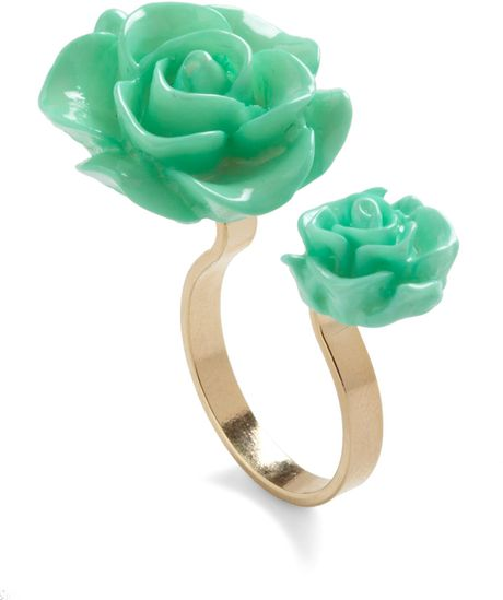 Modcloth Retro Rosie Ring in Green (rosie)