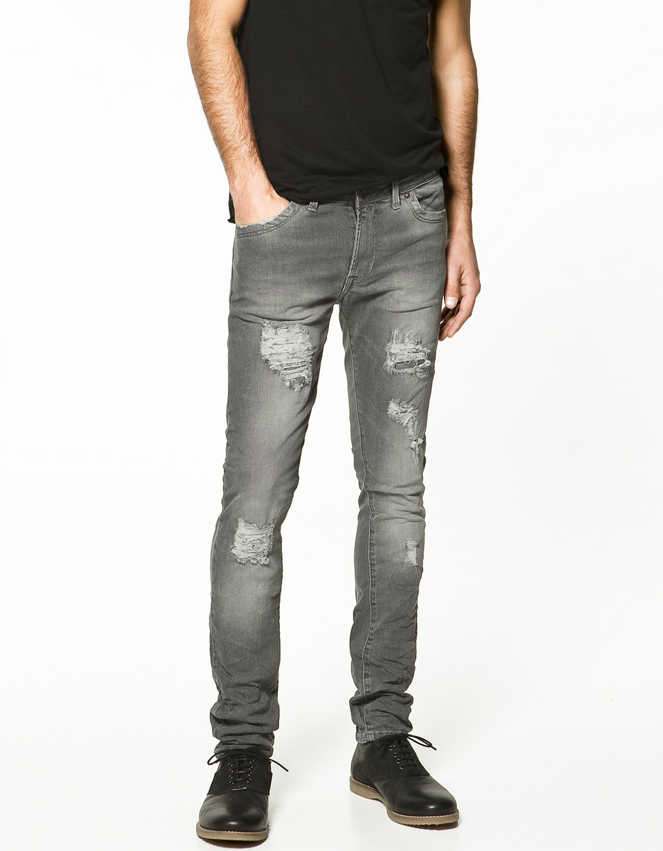 Shop our men's skinny, bootcut, and ripped jeans now at Express! We have tons of washes, fits, and styles so you can find your favorite! These jeans look great with a button-down shirt, t shirt, or sweater! Look cool and casual, whether youâ re taking care of weekend errands or relaxing with your friends.