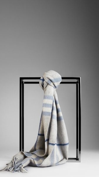 Burberry Giant Check Cashmere Scarf in Gray (dove blue check)