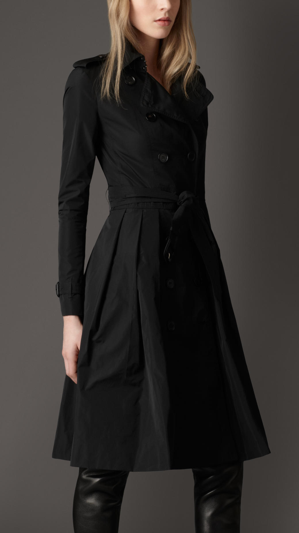 burberry pleated skirt trench coat in black lyst
