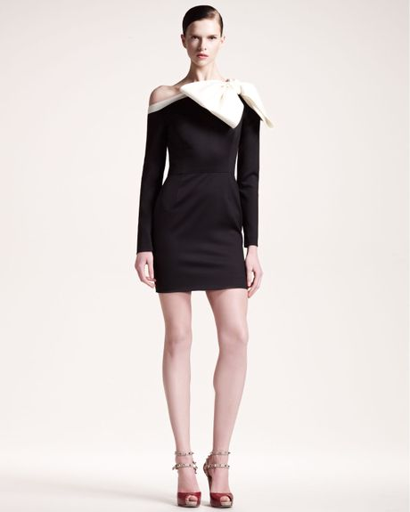 Valentino Bow Shoulder Long Sleeve Dress in Black (black white)
