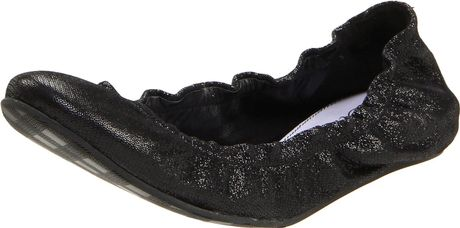Delman Womens Leah Ballet Flat in Black