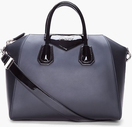 Givenchy Medium Black Antigona Tote in Black - Lyst