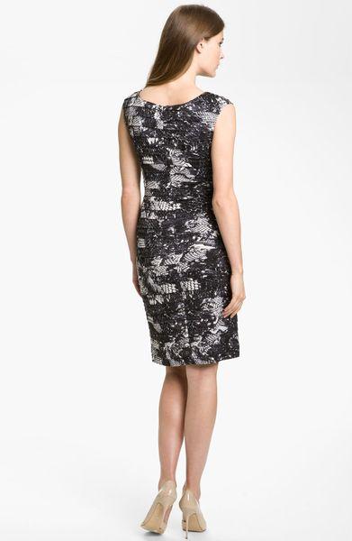 Adrianna Papell Print Shutter Pleat Sheath Dress In Black
