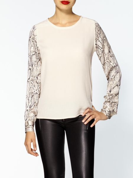 Equipment Liam Silk Tee with Contrast Sleeves in Beige (fawn)