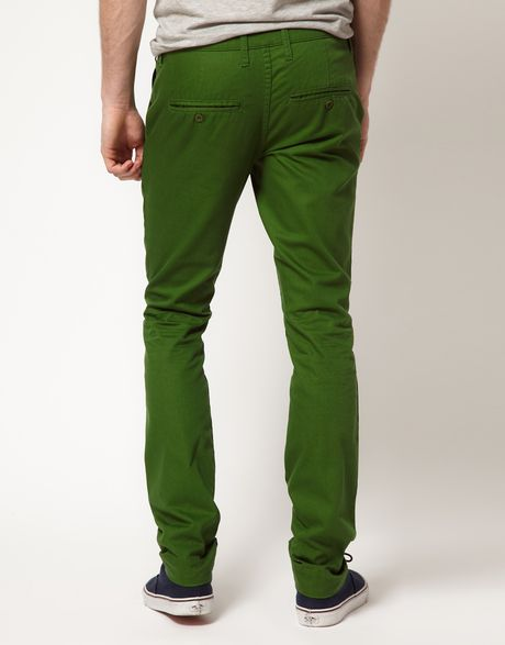 A wide range of men's trousers available from Matalan. Formal to casualwear with our selection of chinos, cargos and joggers. Click and collect in store.
