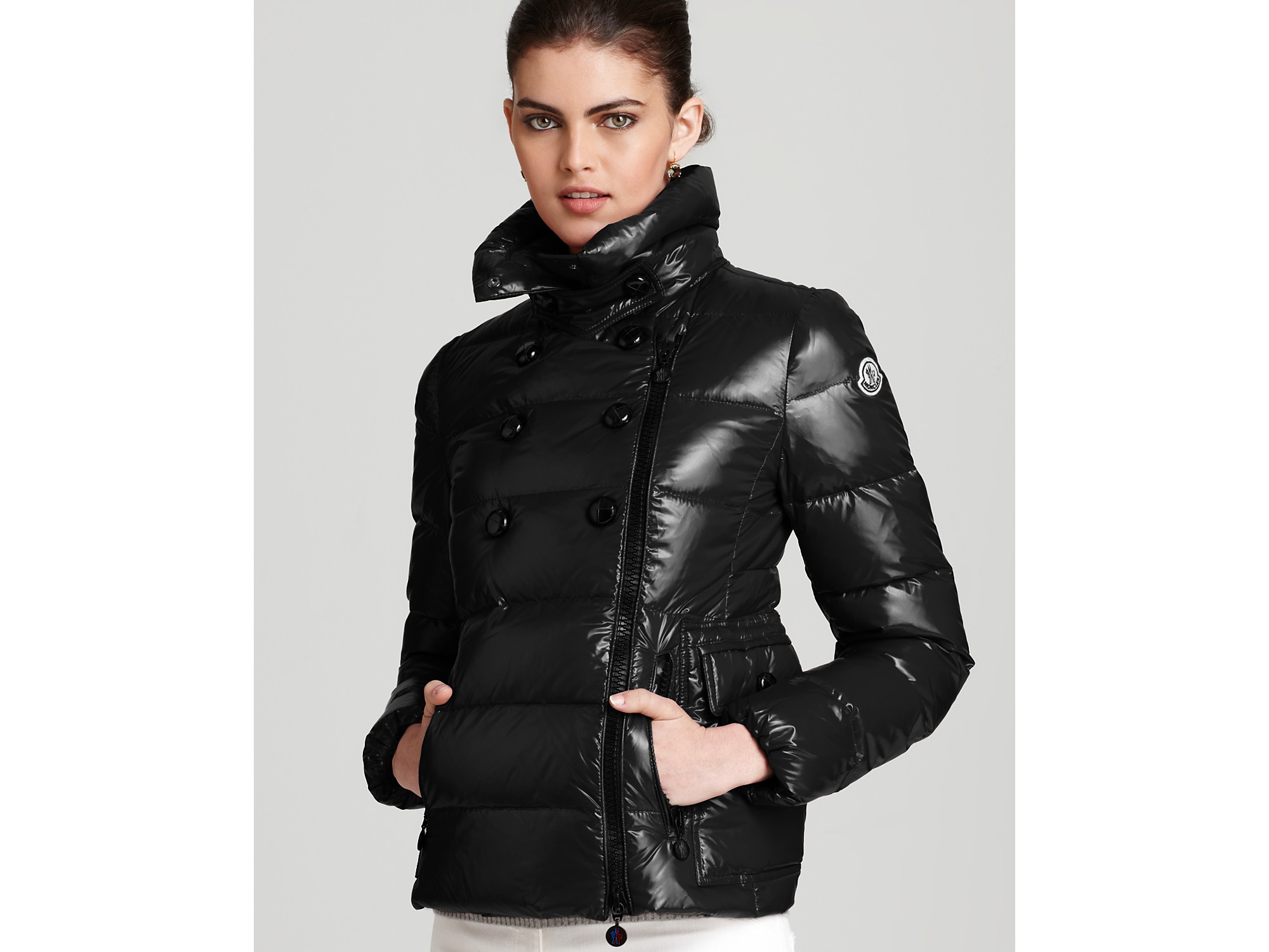 Moncler Daim Lacquer Short Down Coat in Black | Lyst