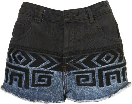 Moto Moto Dip Dye Aztec Embroidered Denim Hotpants in Blue (black)