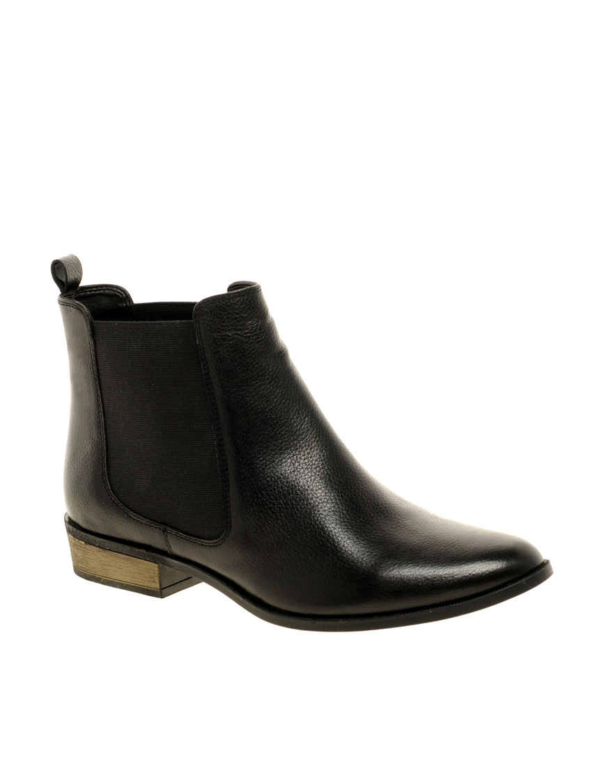 Great looking and versatile black leather Unity Chelsea boots from Topman. The perfect pull-on boots to dress up or down. Classic Chelsea boot styling with elastic side panels, tab for pull on, 1/2 in.