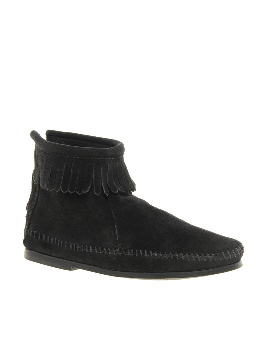 minnetonka back zipper black ankle boots in black lyst