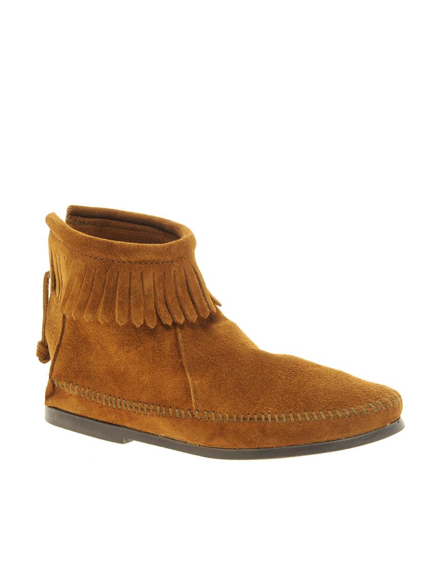 minnetonka back zipper brown ankle boots in brown lyst