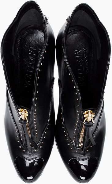 Alexander Mcqueen Black Studded Leather Pumps In Black Lyst