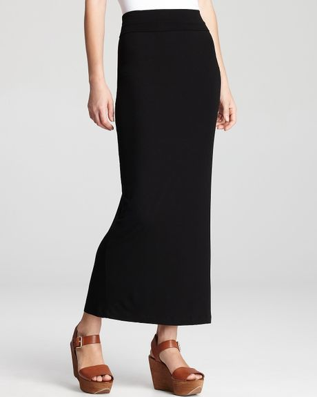 From slim-fitting pencil skirts to trendy midi skirts to ankle-skimming maxi skirts, you'll find dozens of options at JCPenney for updating your fall wardrobe with this basic style staple. Slim, straight skirts look great when paired with tunic-style tops and flowy blouses, while bright, bold patterns are sure to draw maximum attention.