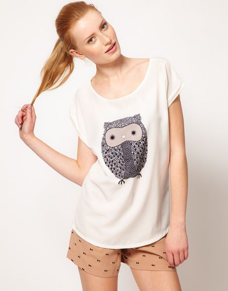 Oasis Owl Front Tshirt in White (ivory)