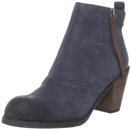 Dolce Vita Dv By Dolce Vita Womens Joust Ankle Boot in Blue (navy)