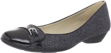 Naturalizer Naturalizer Womens Heath Flat in Gray (grey tweed/black shiny)