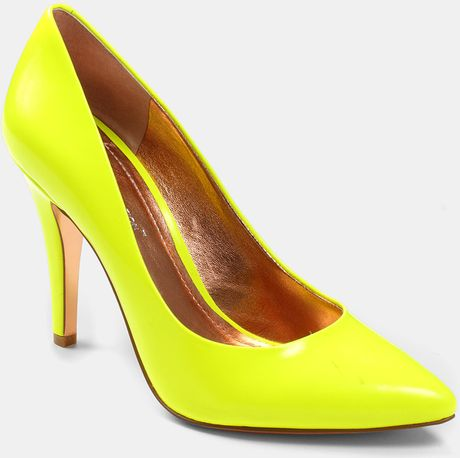 Bcbgeneration Cielo Pump in Yellow (neon yellow)