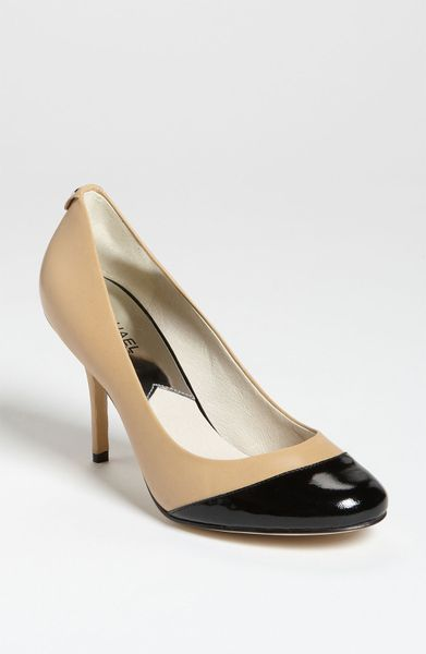 michael michael kors pressley cap toe pump in beige nude. Black Bedroom Furniture Sets. Home Design Ideas