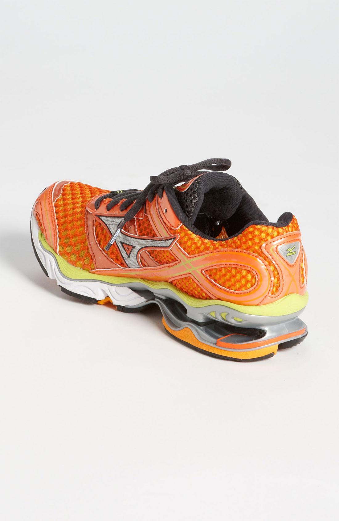 Nike Flyknit Trainer 13