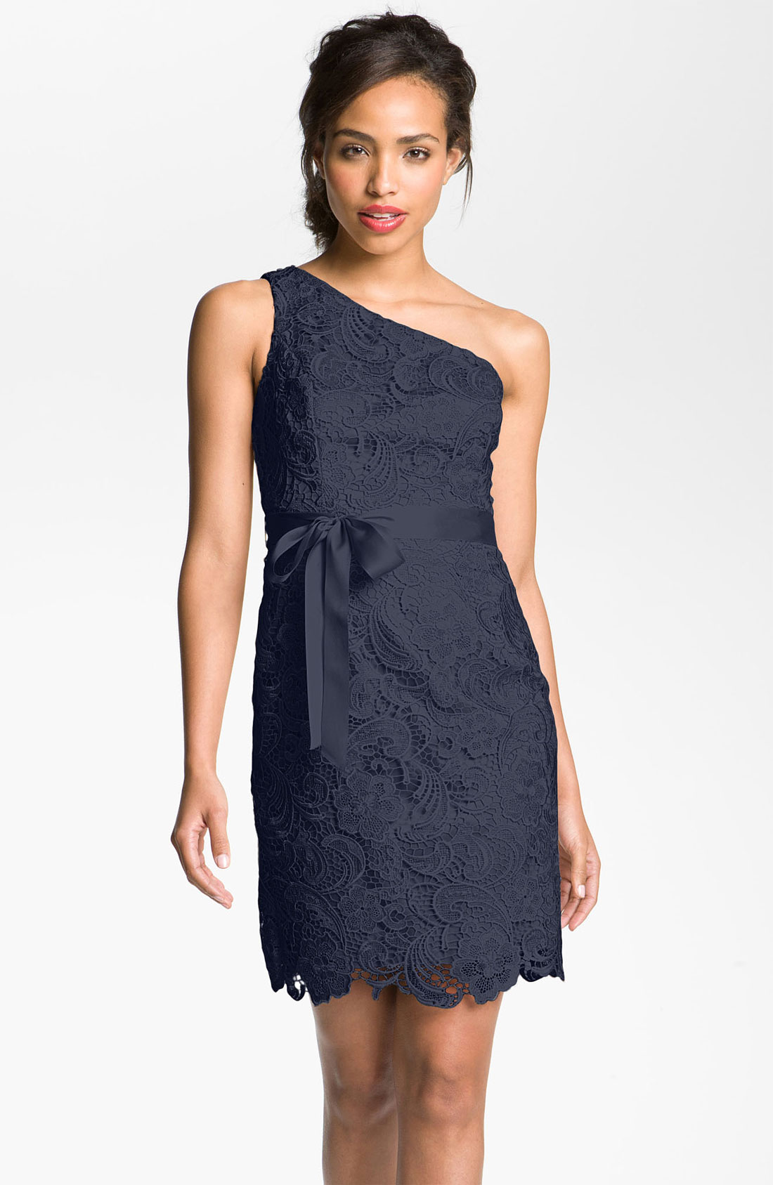 Adrianna Papell Lace e Shoulder Sheath Dress in Blue