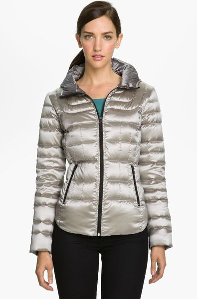 Bernardo Hooded Iridescent Down Jacket in Silver (rosy steel)