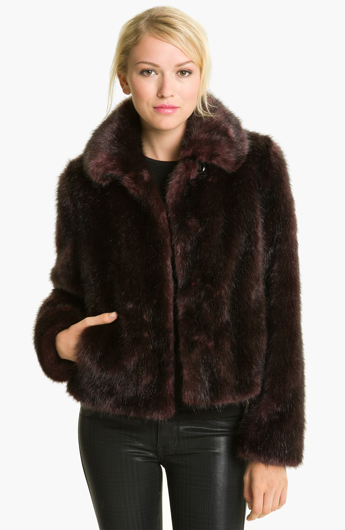Find a great selection of women's fur coats & faux fur at metrdisk.cf Shop top brands like Trina Turk, Moose Knuckles & more. Free shipping & returns.