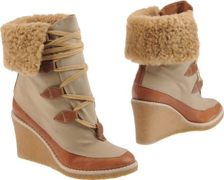 Chloé Ankle Boots in Brown (beige)