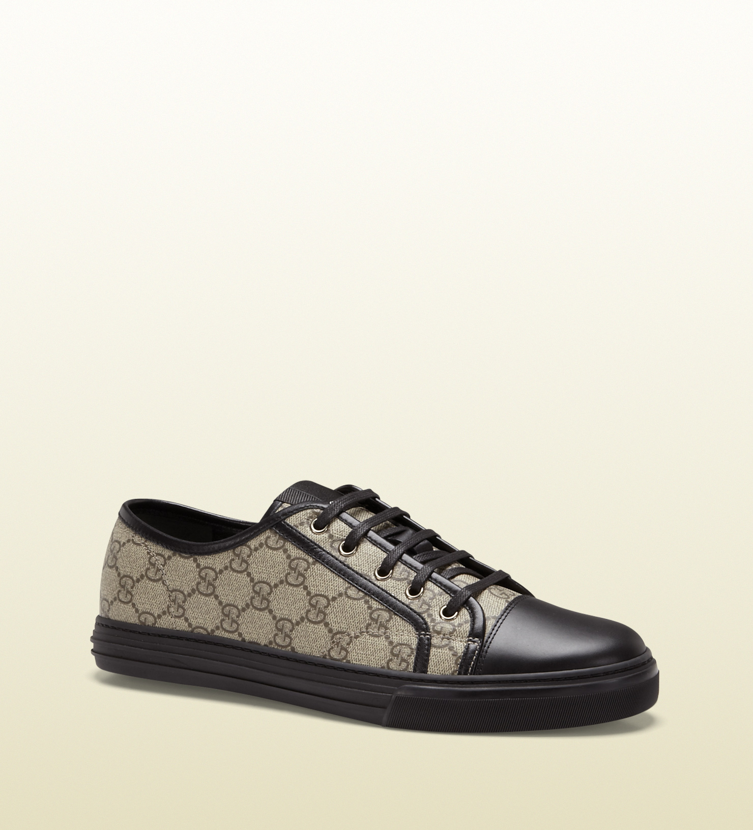 f02c932ebe6 Lyst - Gucci Gg Supreme Canvas Lowtop Sneaker in Black for Men